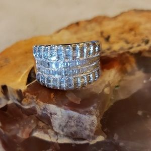 Jewelry - Diamond and silver ring